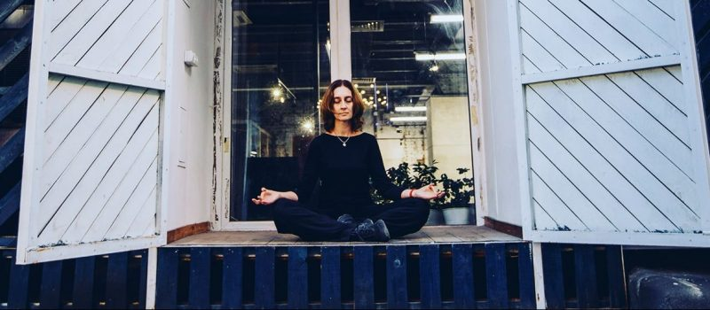 Женские оздоровительные практики по методу Adama Yoga.
